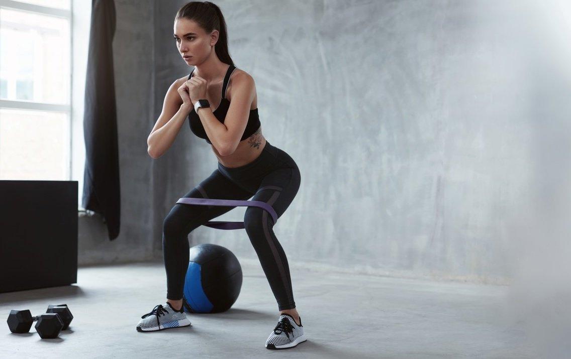 Najlepsze ćwiczenia na mięśnie nóg i pośladków